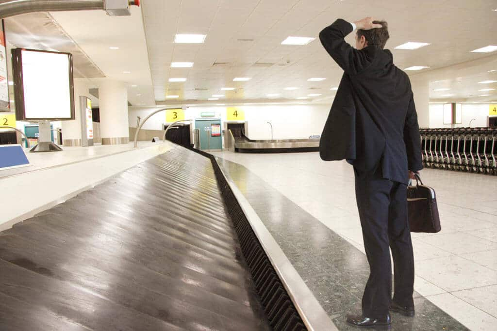 lost-luggage-at-airport