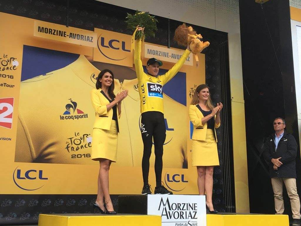 Chris-Froome-celebrating